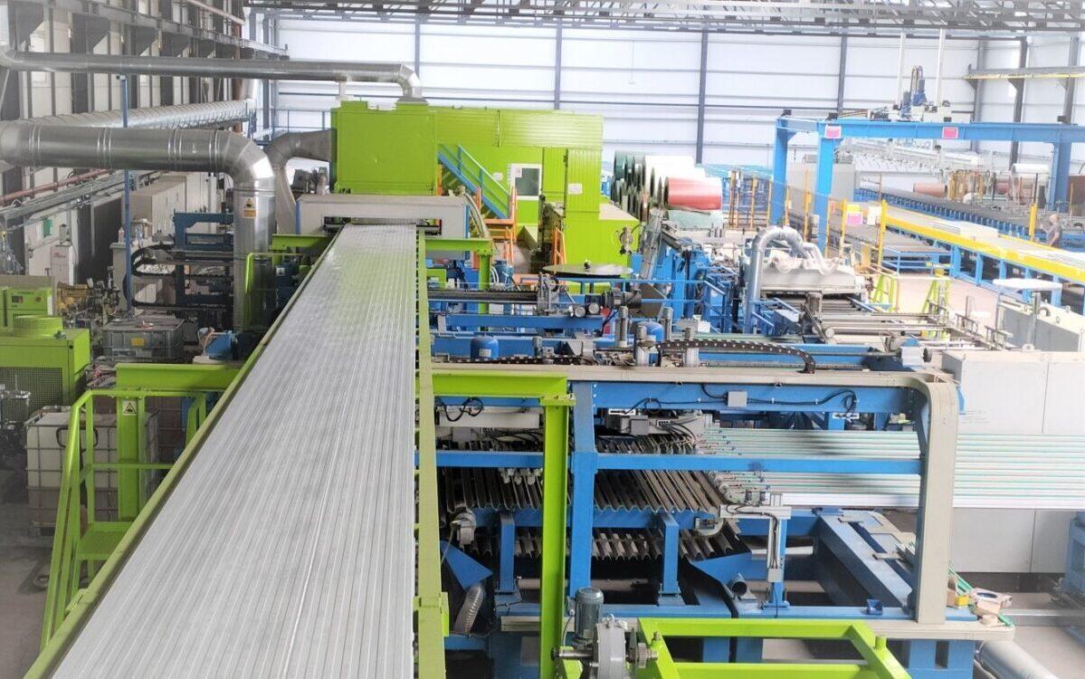 vista general nueva línea de fabricación continua de Paneles Sándwich